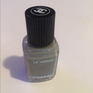 Chanel Garçonne Nail Polish